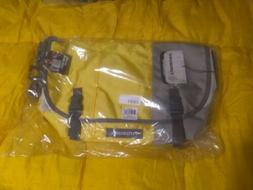 Timbuk2 Custom Classic Messenger Bag  cement/yellow
