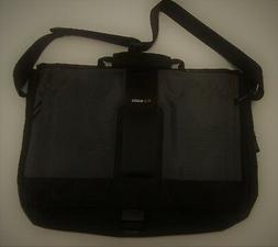Solo Pulse PLS507-4 15.6 Inch Laptop Messenger Bag